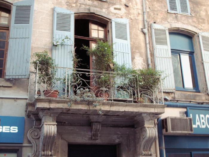 Avignon-Apt Balcony