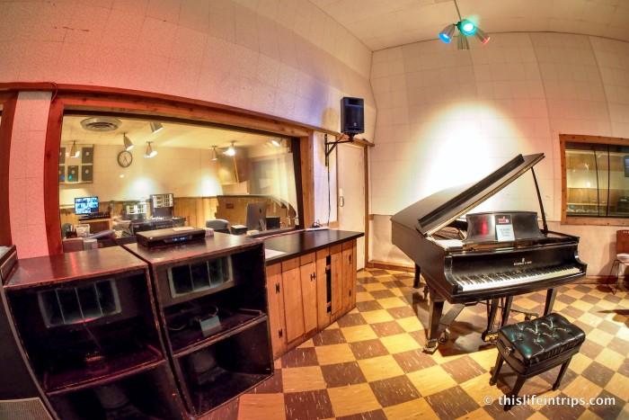 Touring RCA Studio B - Home of the Nashville Sound 4