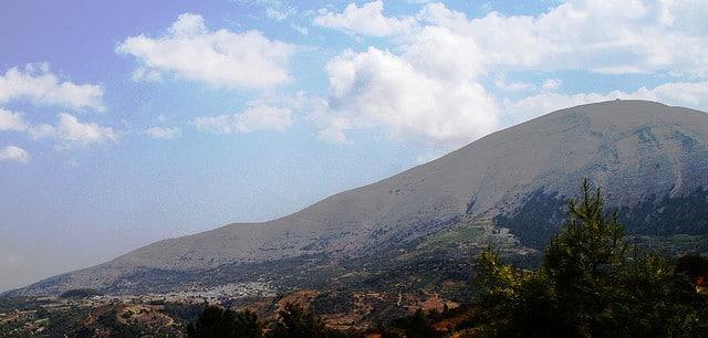 Mt. Ataviros and village Embona via Flickr CC @julukustavisuomi