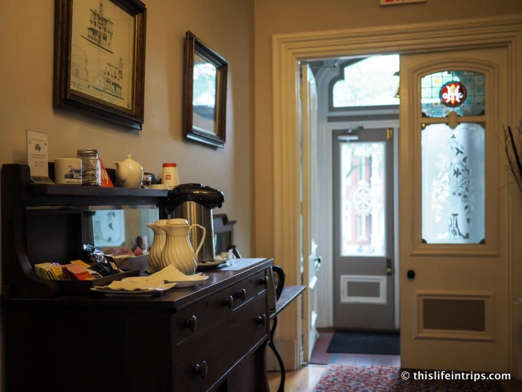 A Historical Stay in Canada's First Capital - Hochelaga Inn Review