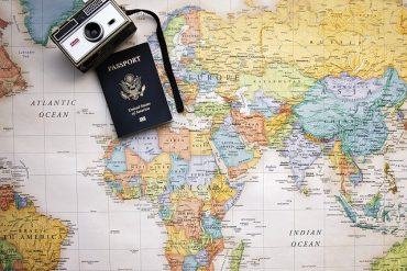6 DIY Travel Hacks You Can Use Anywhere